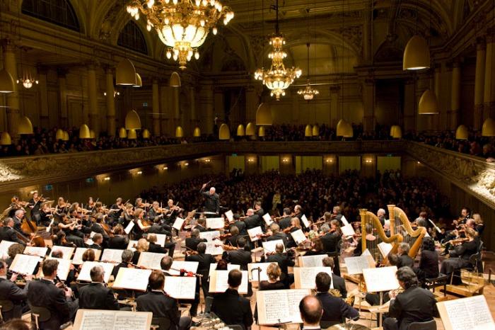 21.2.2013 Tunne orkesterisi konserttien takana: Sinfoniaorkestereiden yleisötyötä meillä jamuualla